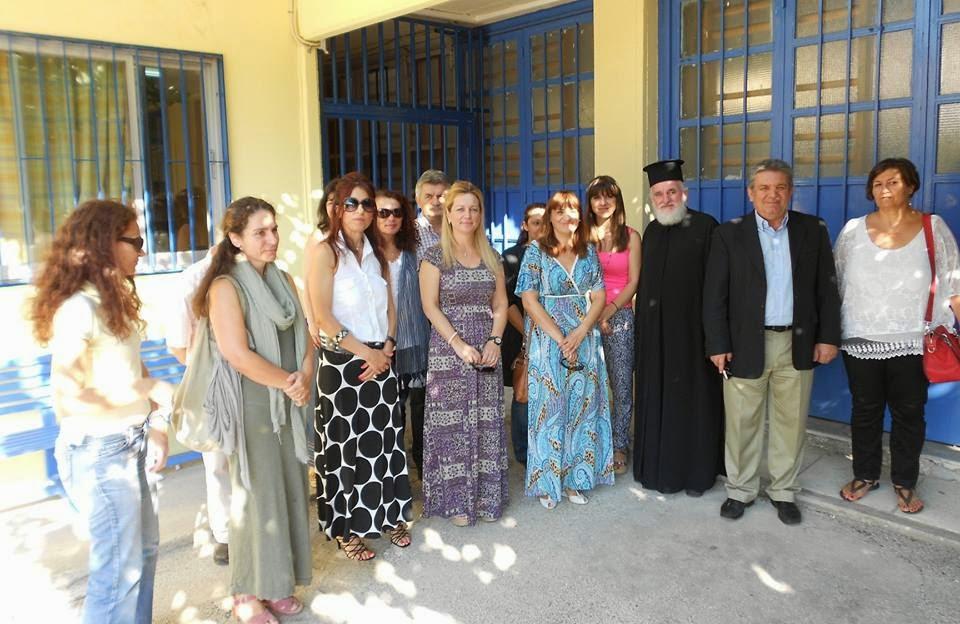 Ο Δήμαρχος Ιλίου Νίκος Ζενέτος στο Ειδικό Σχολείο Ιλίου για την τελετή του αγιασμού της νέας σχολικής χρονιάς