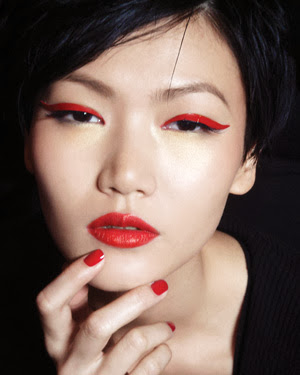 eyeliner rosso