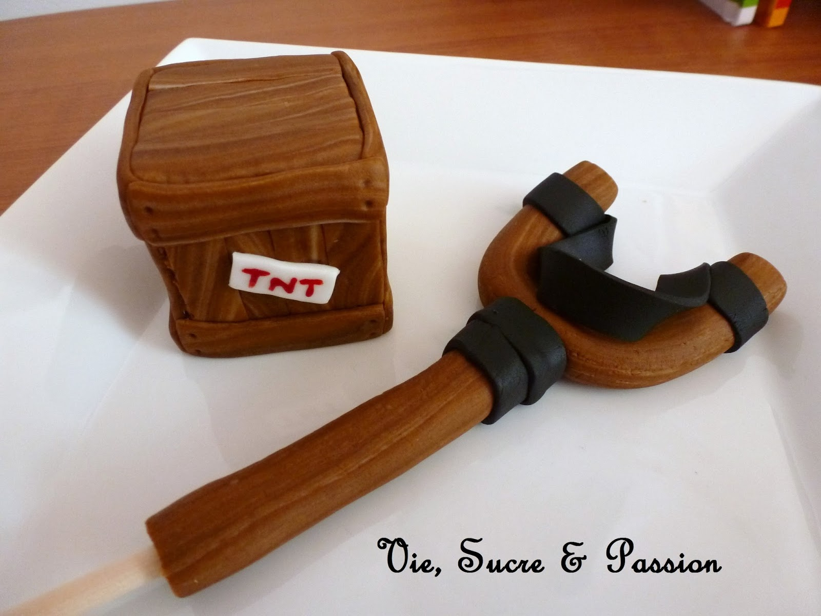 Edible Woodgrain Fondant tutorial
