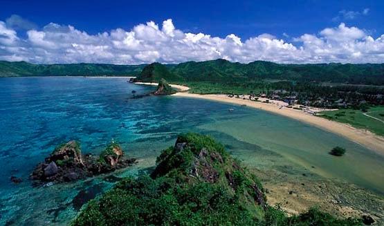 foto wisata di pantai lombok