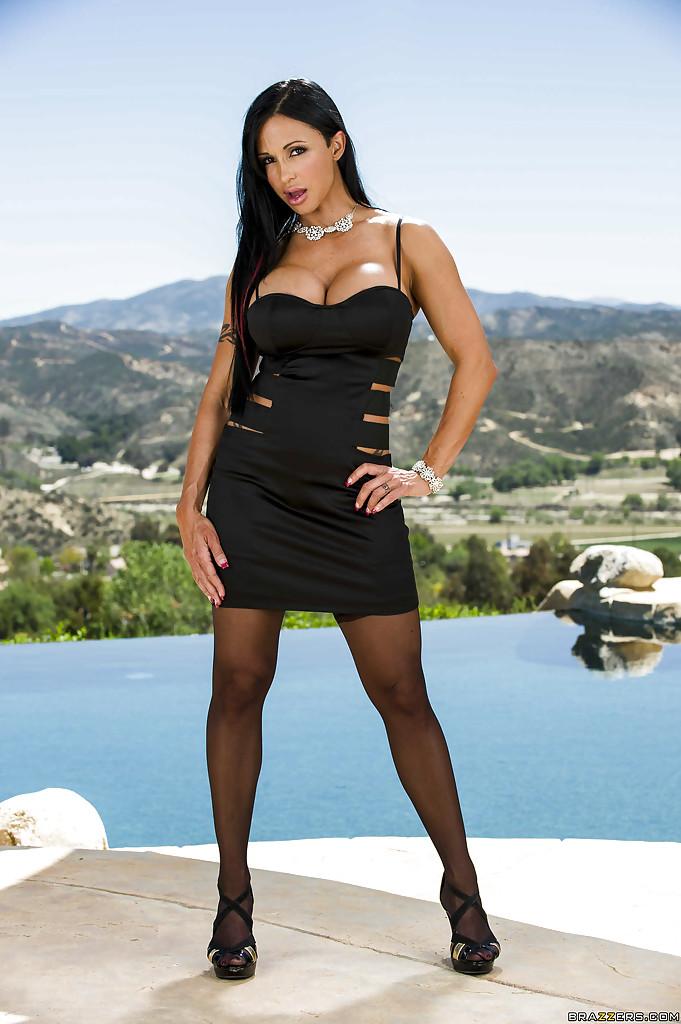 Ravishing latina MILF with boobacious tatas getting rid of her dress and thongs № 1438934 бесплатно
