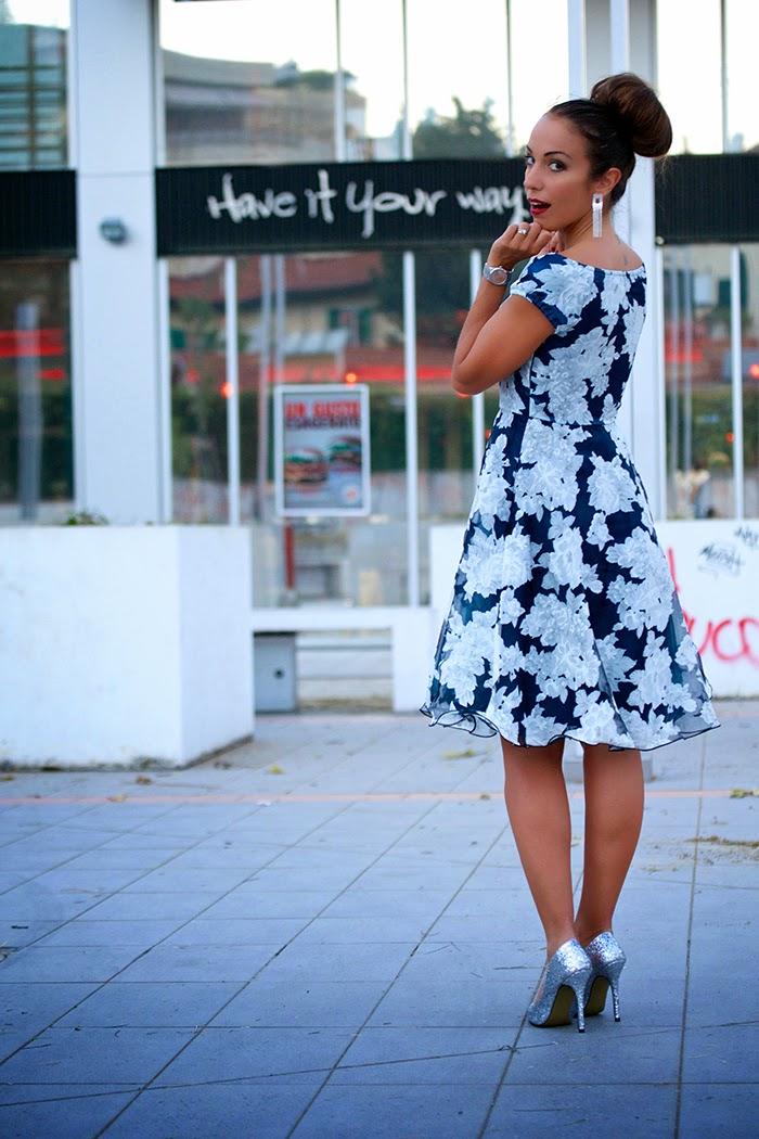 abito elegante fiori