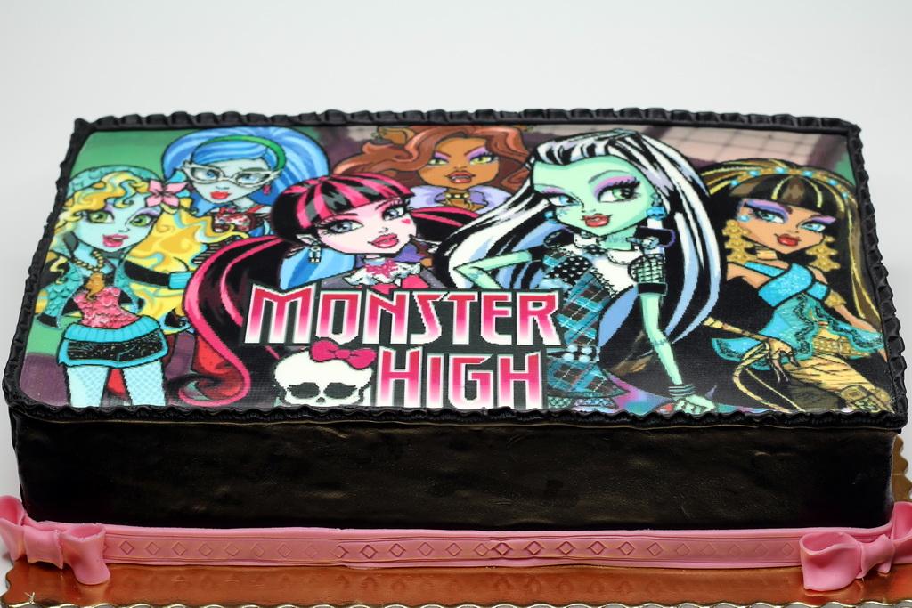 London Patisserie Monster High Birthday Cake