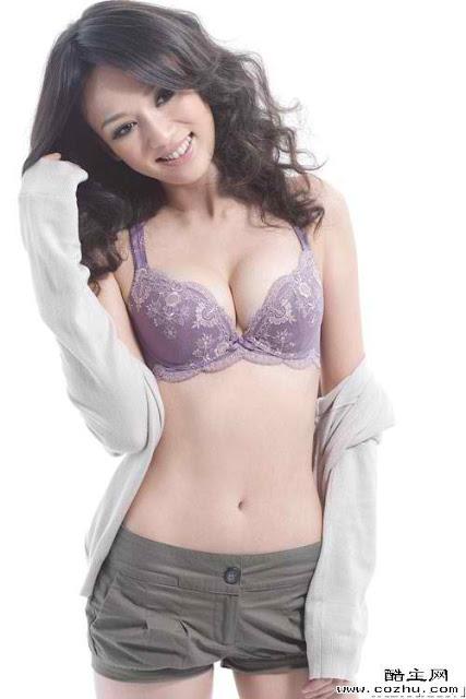 Celeb Actress and Singer Chen Chiao En