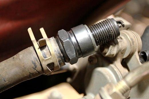 Mengatasi suara nembak Honda BeAT dengan menyumpal saluran SASS