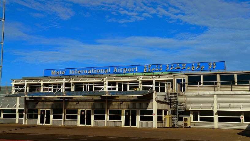 surfari maldivas aeropuerto 01