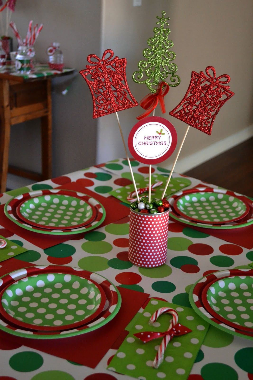 crissy 39 s crafts holly jolly holiday party. Black Bedroom Furniture Sets. Home Design Ideas