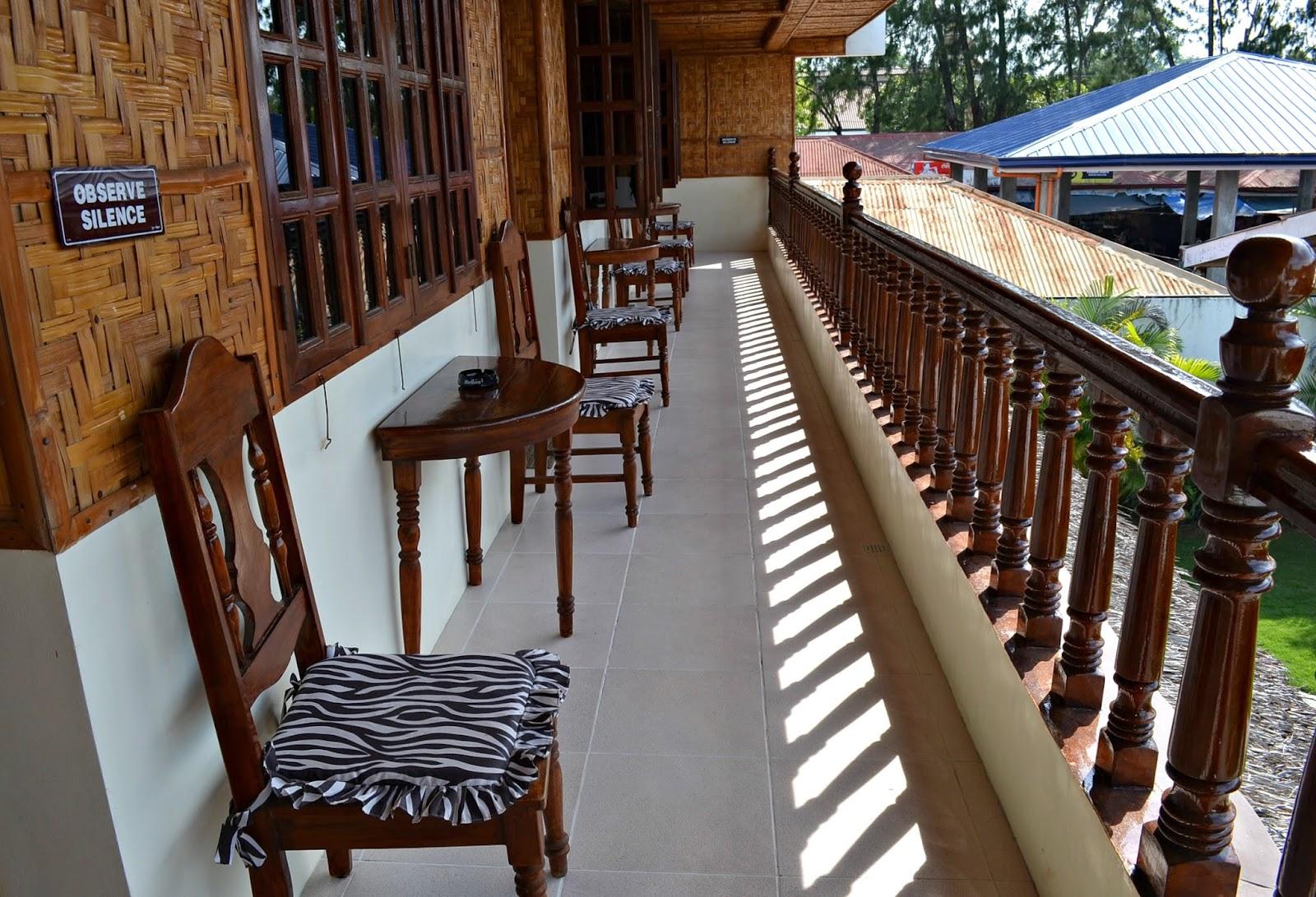 budget rooms at coucou bar hotel bantayan island
