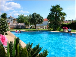 Apartamentos de la Costa en Rías Bajas, Rías Baixas, Sanxenxo, Pontevedra, Galicia, alquiler de apartamentos para vacaciones con piscina cerca de la playa, alojamientos de alquiler íntegro, casas completas, pisos y apartamentos