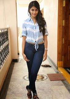 Actress Pooja Hegde Latest Picture Gallery in Blue Jeans  21.jpg
