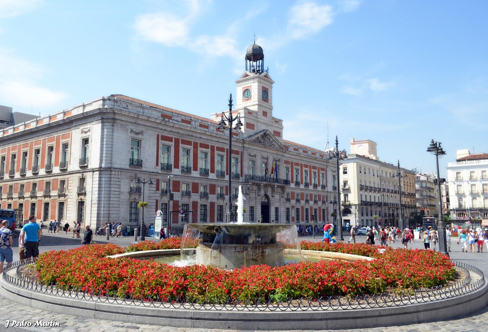 Madrid i puerta del sol y plaza mayor j pedro mart n for Plaza puerta del sol