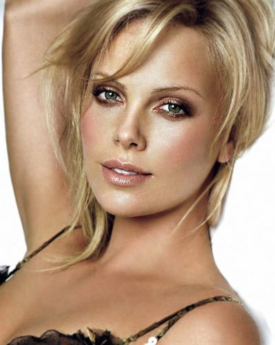 Charlize Theron Hairstyles OPD9ny Charlize Theron