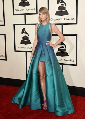 Taylor Swift in lovely teal dress by Elie Saab at the 2015 Grammy Awards red carpet