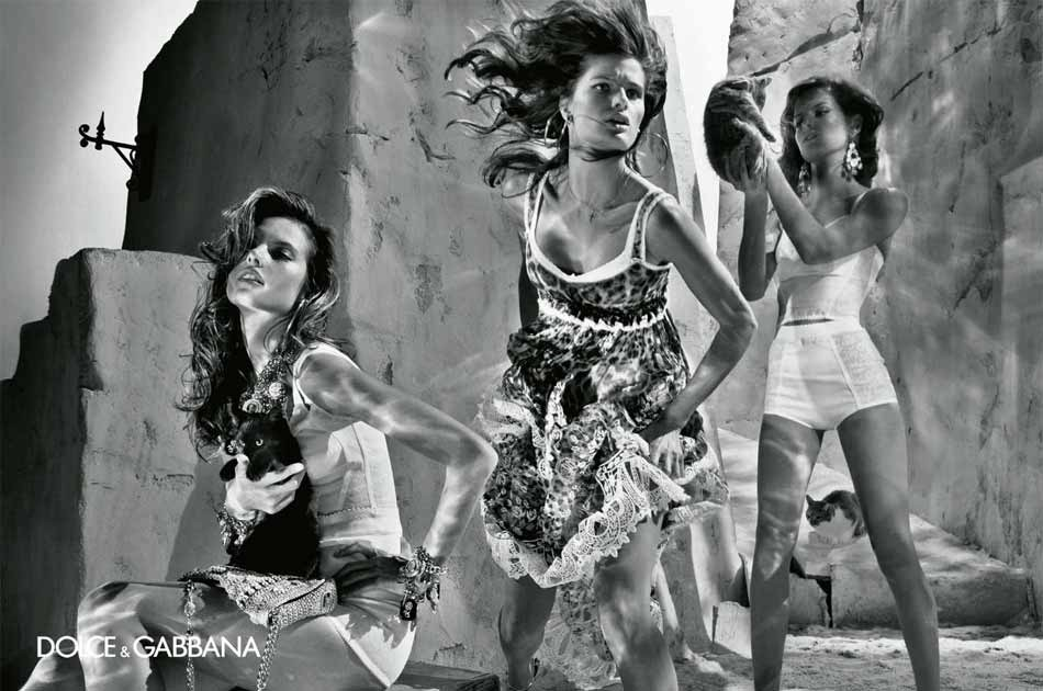 Alessandra Ambrosio, Isabeli Fontana, Izabel Goulart, Maryna Linchuk in Dolce&Gabbana Spring/Summer 2011 campaign (photography: Steven Klein)