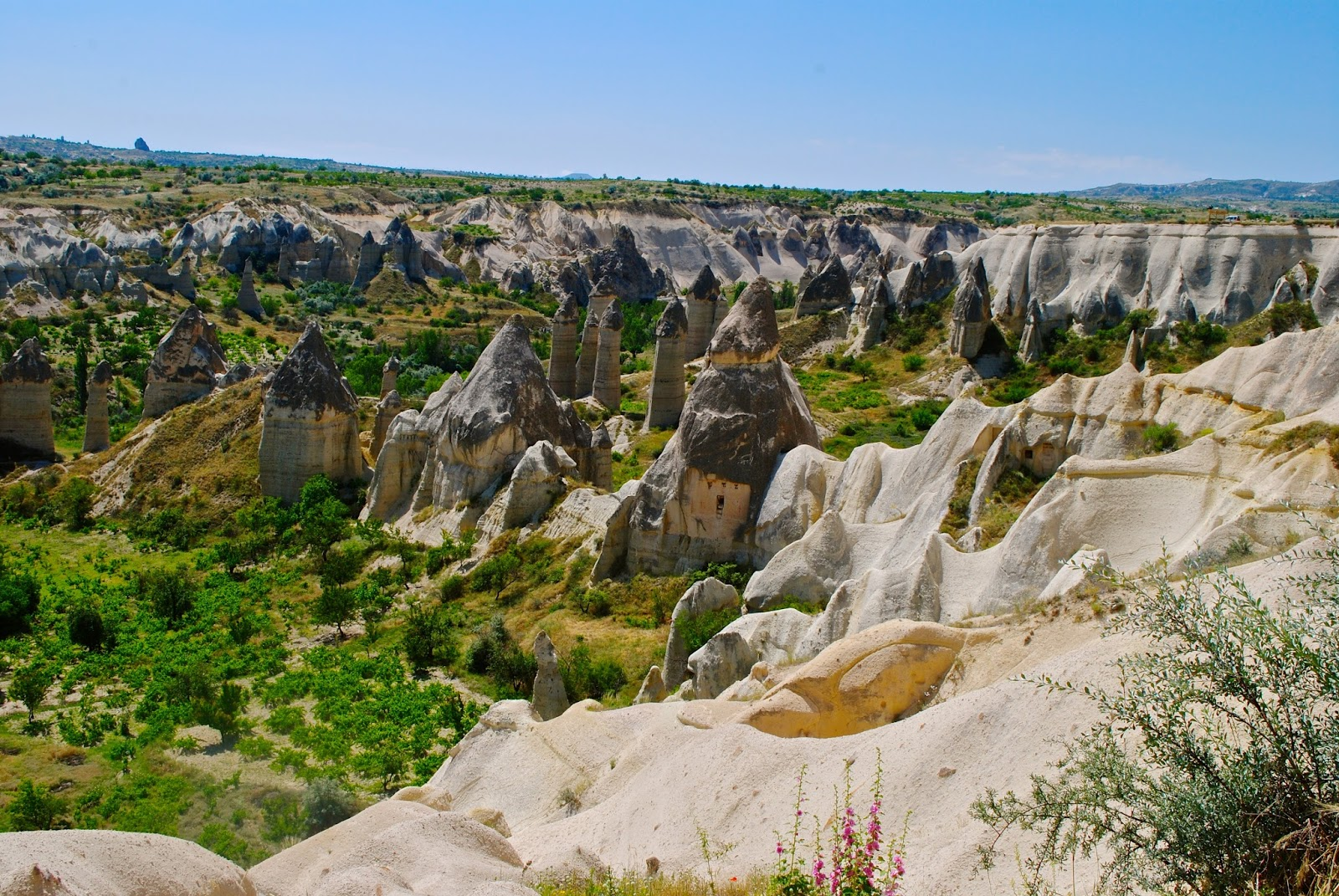 Things to do in Cappadocia : Love Valley fairy chimneys on the Red tour