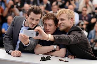 Le selfie de Gaspard Ulliel, Bertrand Bonello et Jérémie Renier au Festival de Cannes 2014