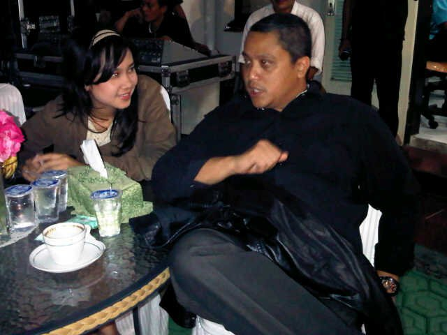 Singing together after meeting in Jakarta