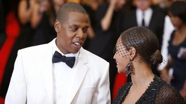"Pelea entre Jay-Z y Solange fue ""truco"", dice padre de Beyoncé"