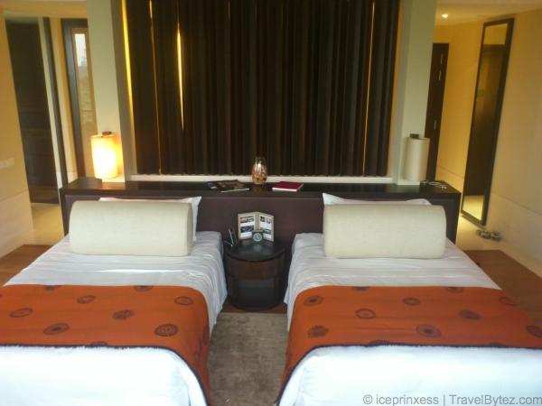 Capella Singapore Premier Garden Room Twin Beds