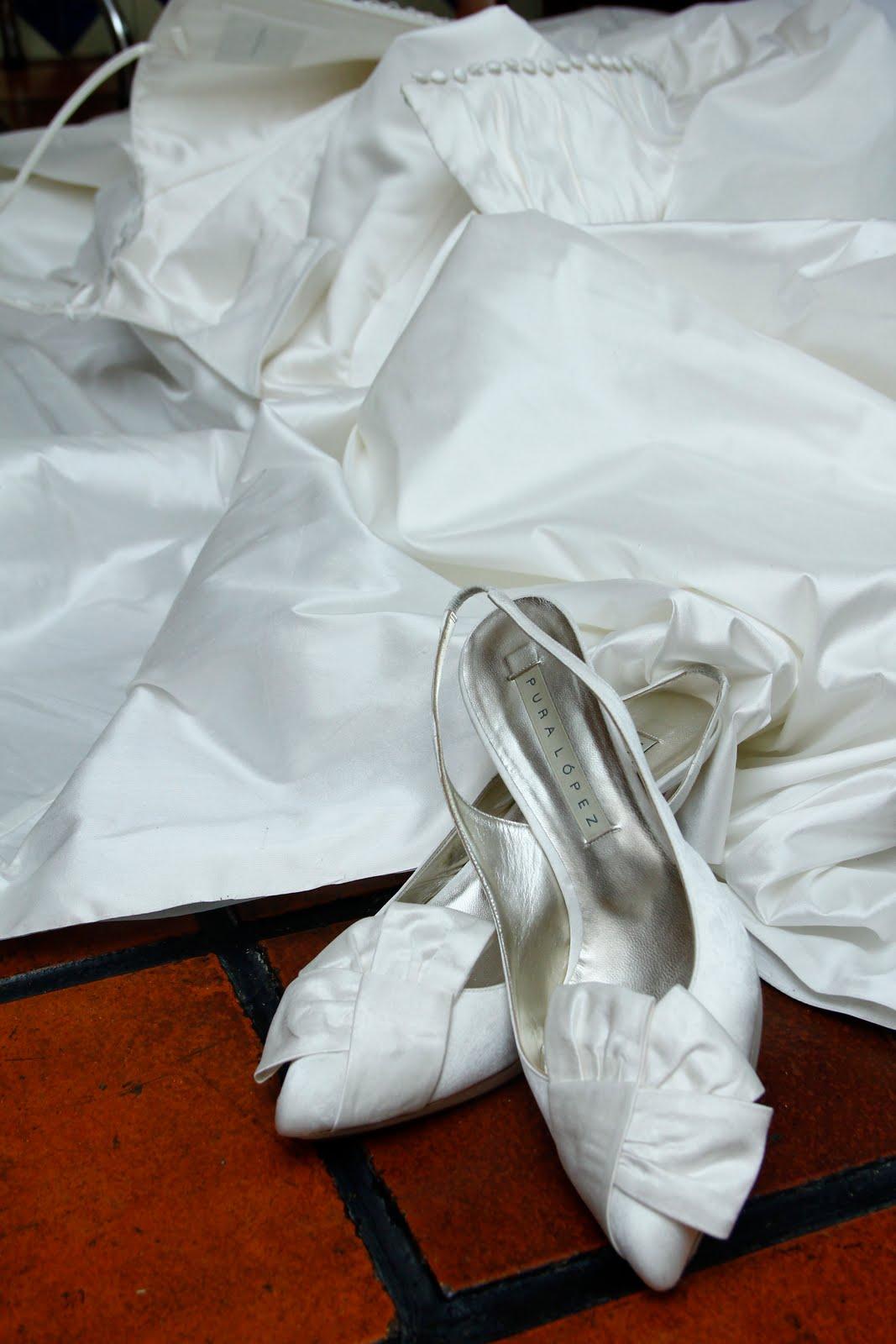 patzarella de ideas: Sólo un vestido y un par de zapatos