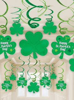 st-patricks-day-hanging-swirl-decorations-with-cutouts