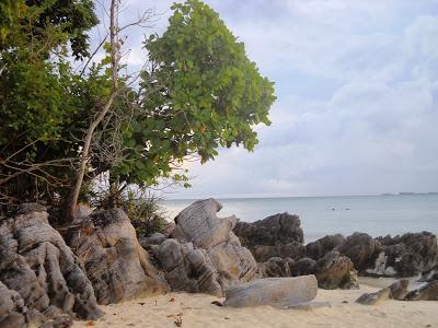 Pantai Ujung Gelam