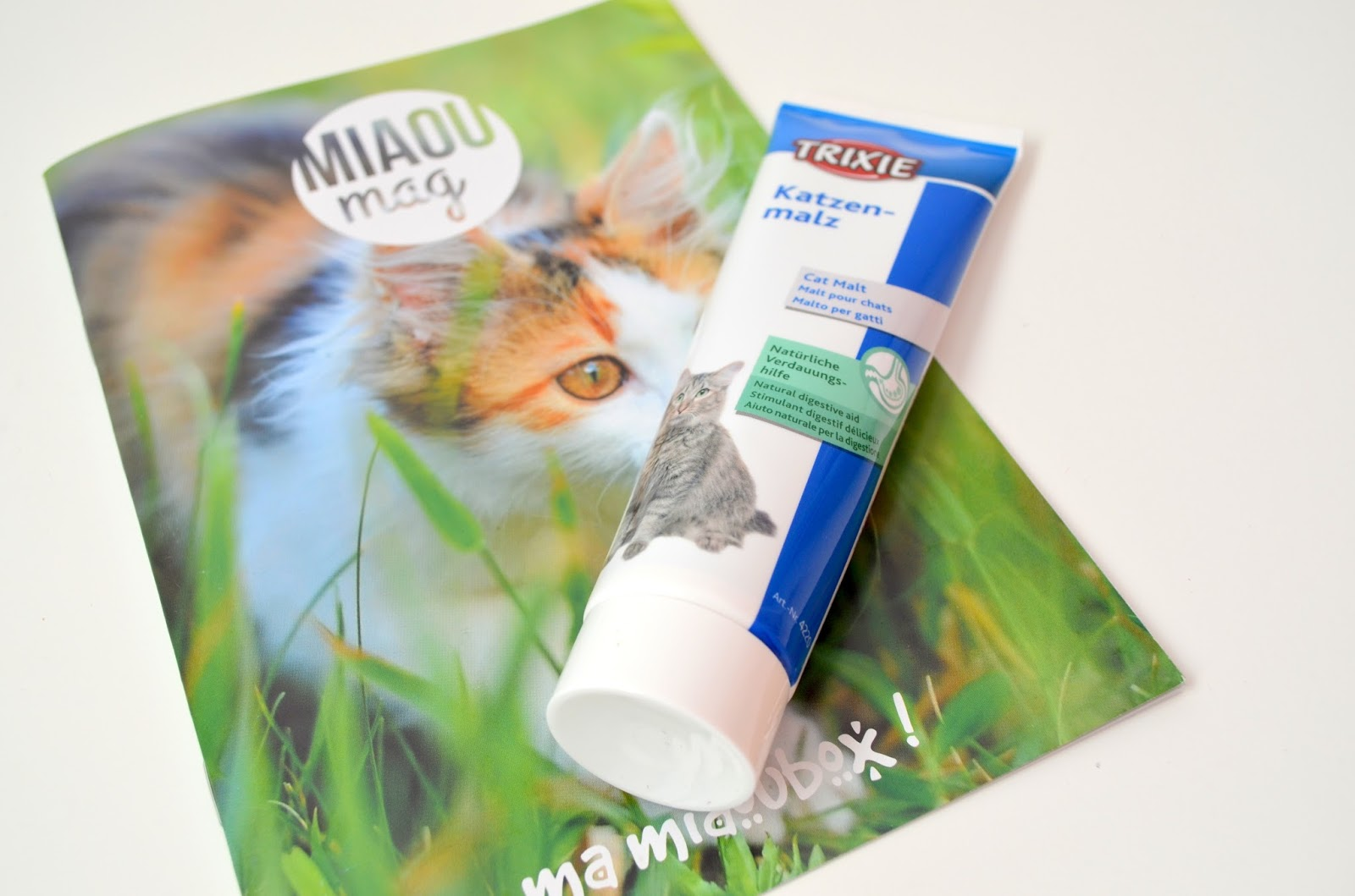 Miaoubox le cadeau pour nos boules de poils les confidences de lizzie blog beaut et bien tre - Herbe a chat seche ...