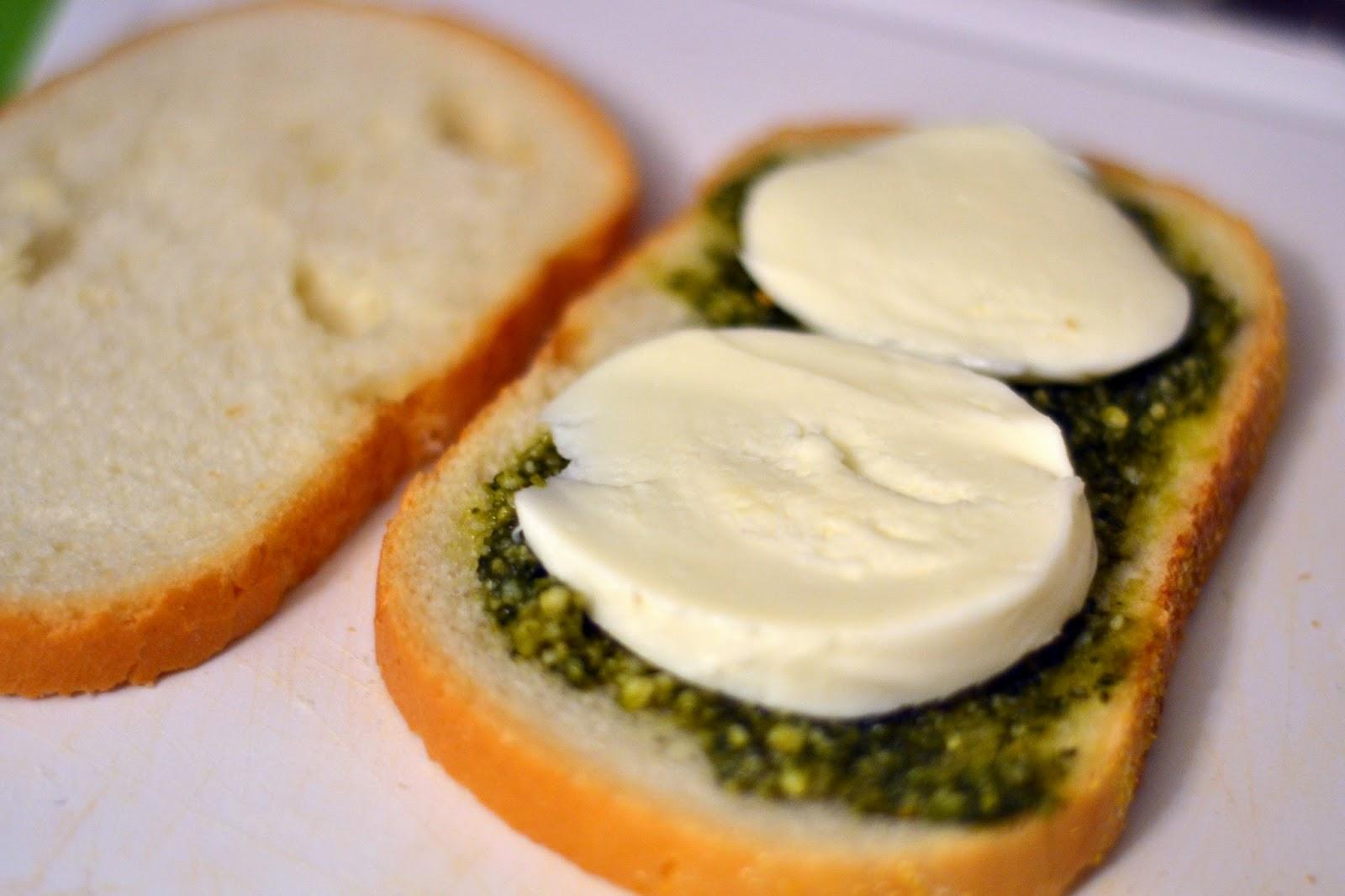 Tomato Mozzarella and Pesto Sandwich