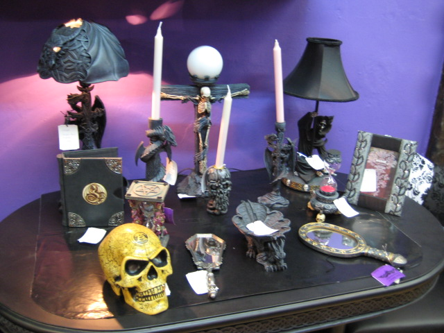 Drones and Drabbles: Decorating tips for the Budget Goth