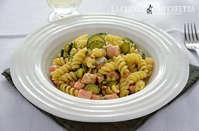 Procedimento Pasta con salmone e zucchine - Piatto finale