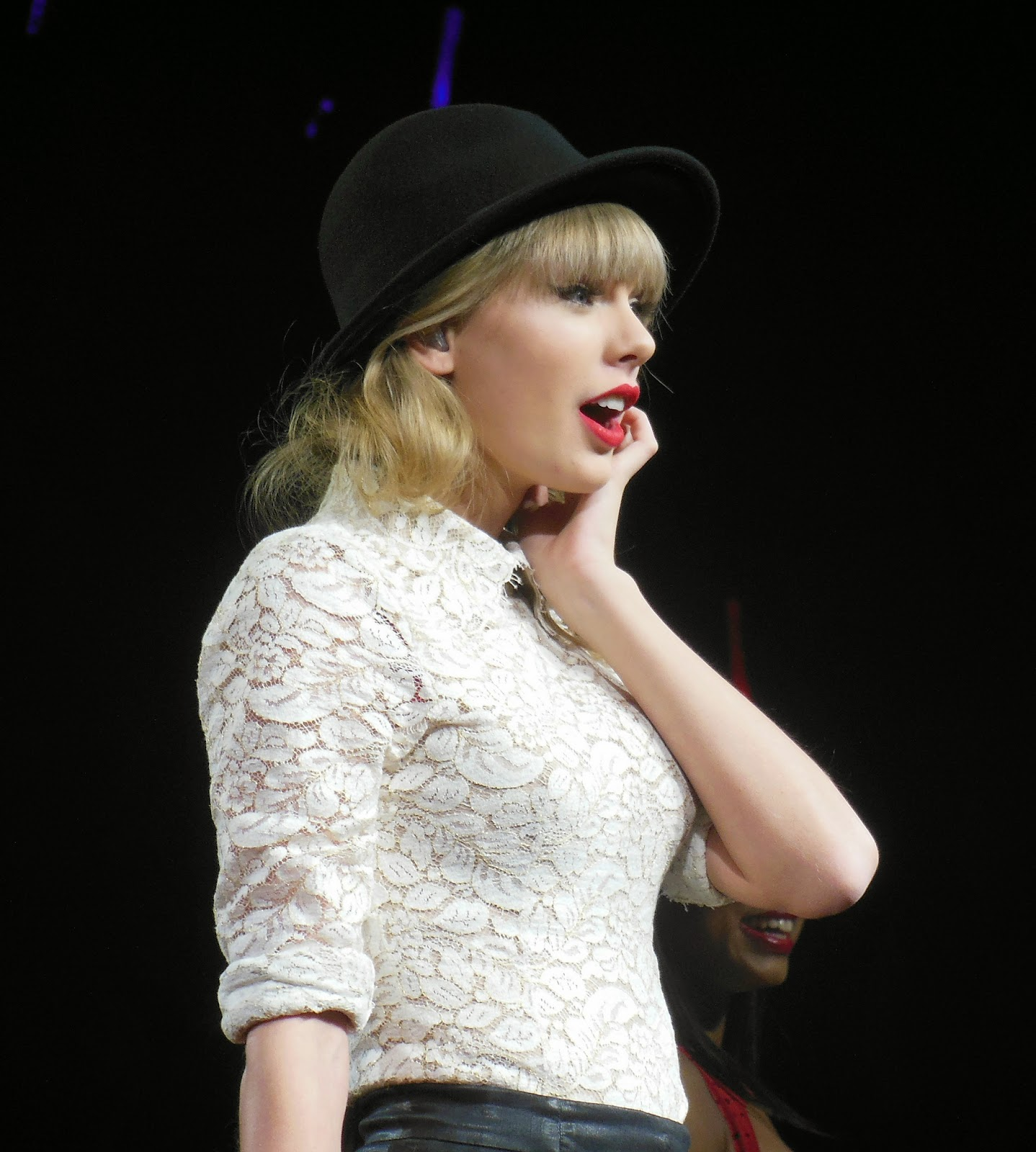 foto taylor swift terbaru tour