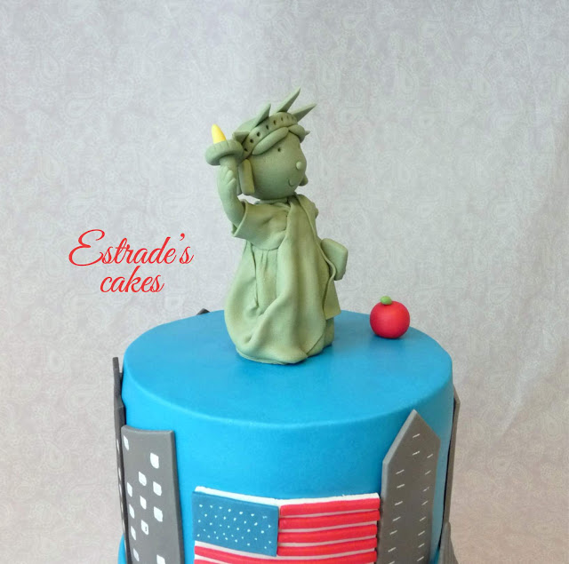 Estatua de la libertad de fondant 5
