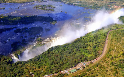 Go to the Victoria Falls with your familly