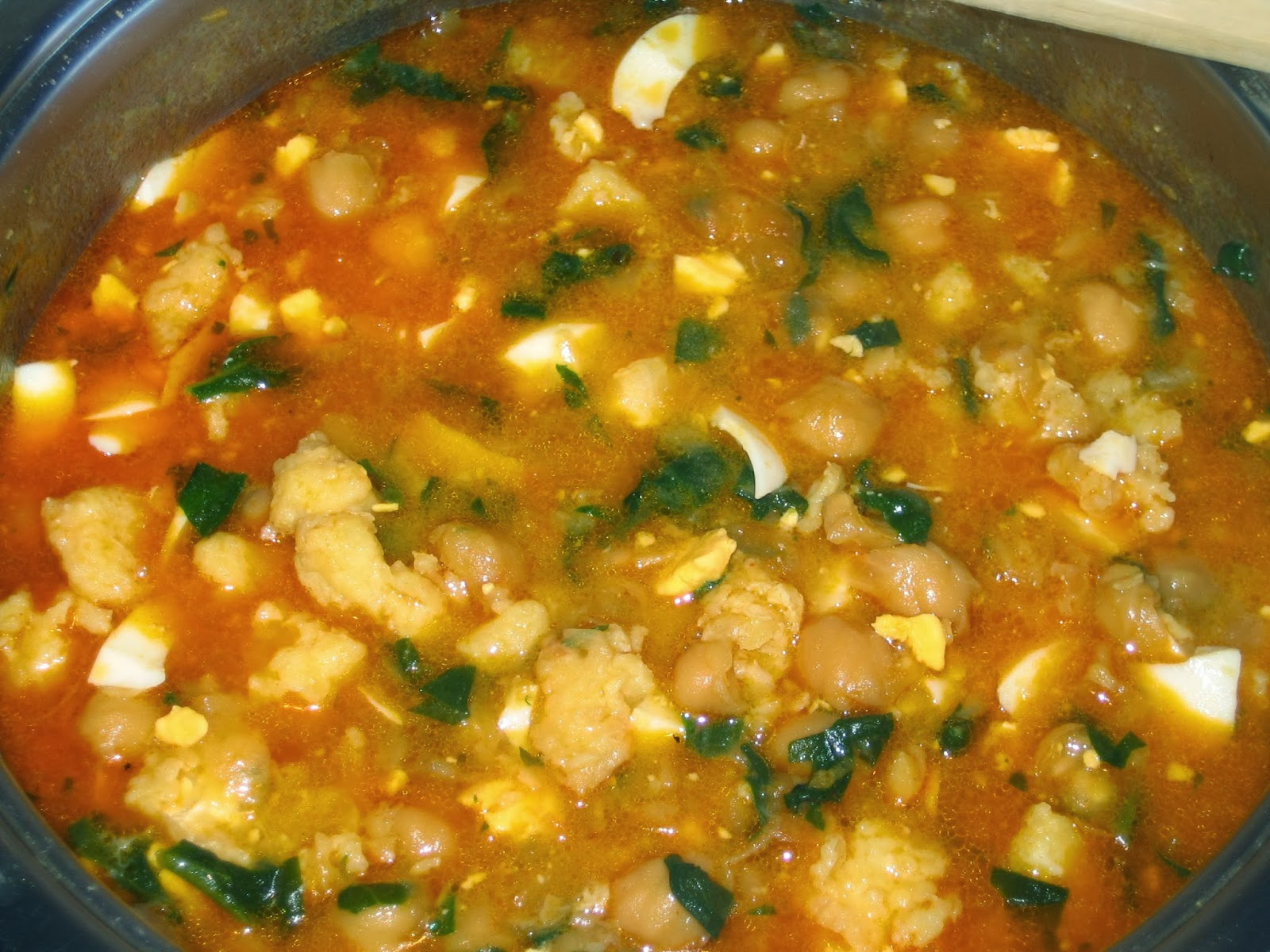 Come en mi cocina garbanzos con bacalao y espinacas el - Garbanzos espinacas bacalao ...