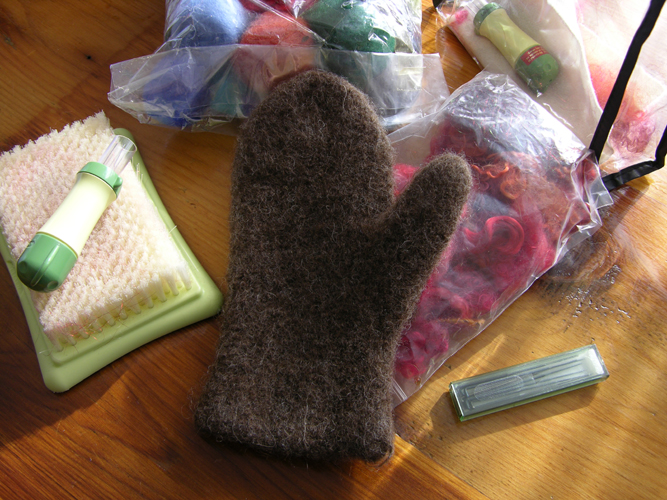 Kyarns felting for the holidays - Needle felting design ideas ...