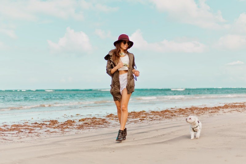 fashion, miami fashion, miami fashion blogger, fashion bloggers, daniela ramirez, nany's klozet,pineapple top, burgundy hat, denim shorts, chiki, maltese puppy, puerto rico