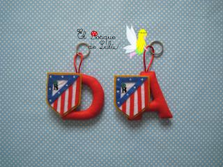 llavero-personalizado-en-fieltro-Atletico-de-Madrid-regalo-personalizado-hecho-a-mano