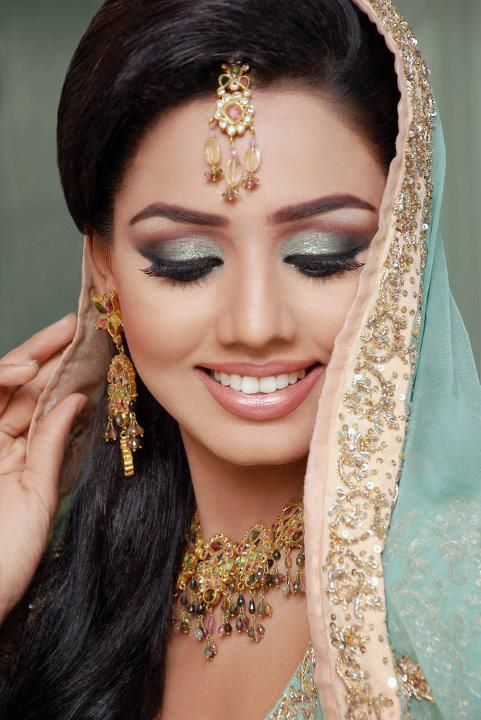 Mariya Rai ..........: Asian Pakistani Bridal Eye Makeup ...