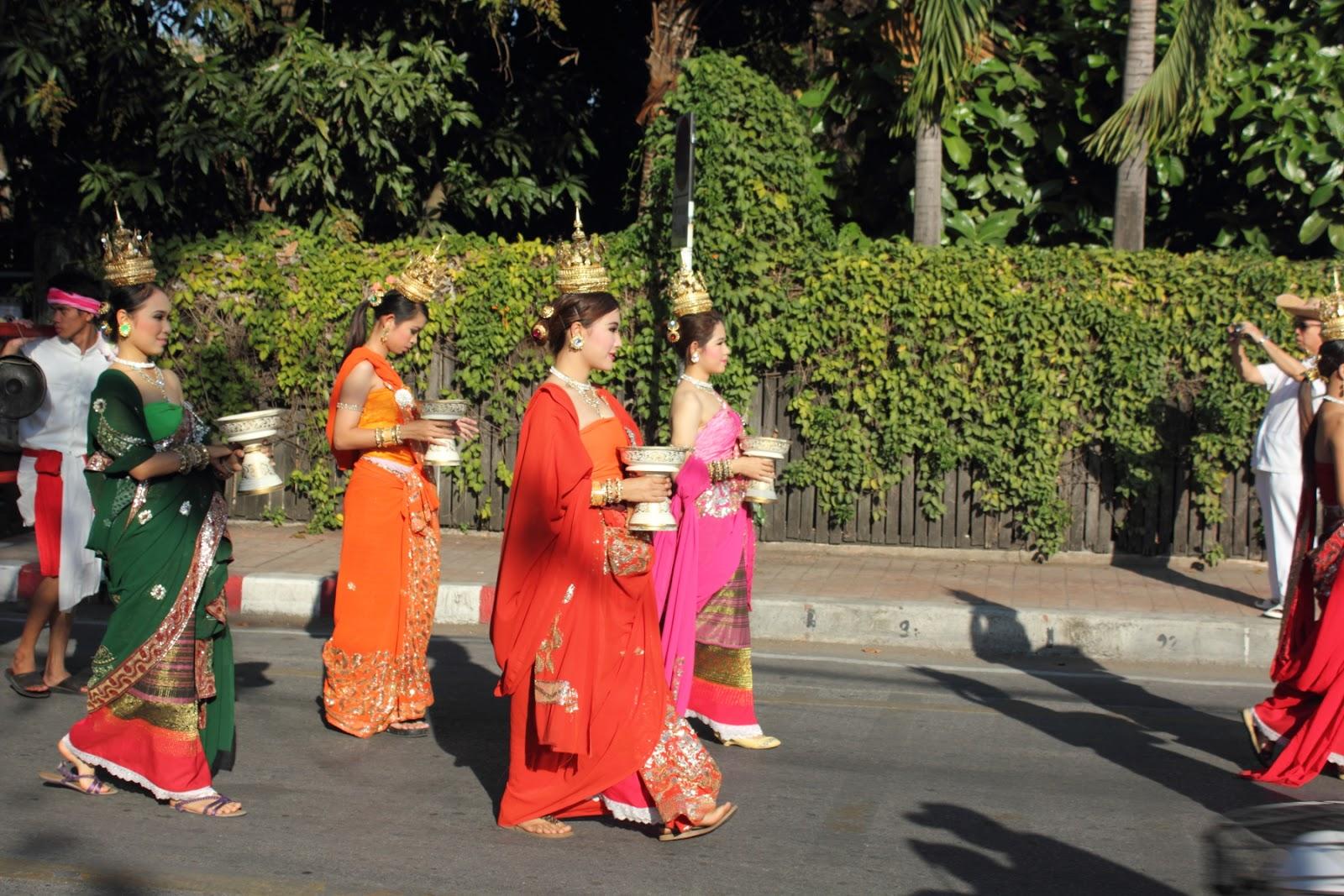 「泰國傳統服飾」的圖片搜尋結果