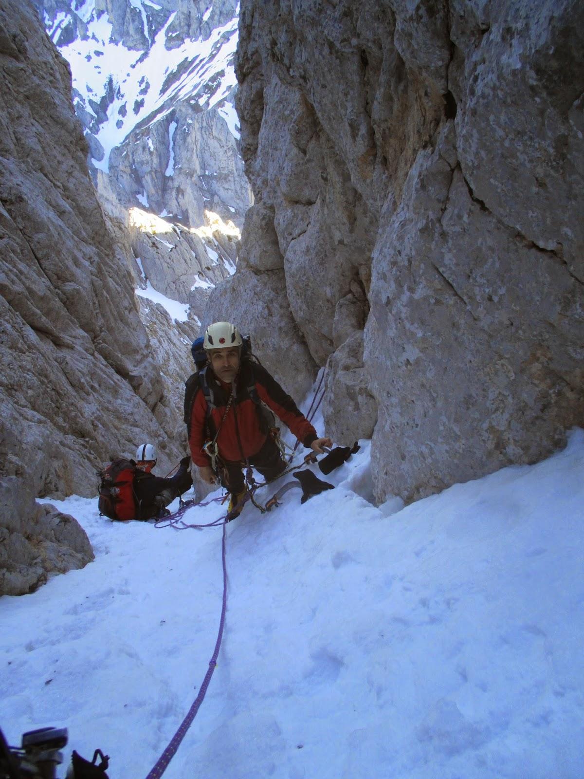 Picos de Europa: Corredor Norte del Friero (1100m,D). Cordiñanes de ...