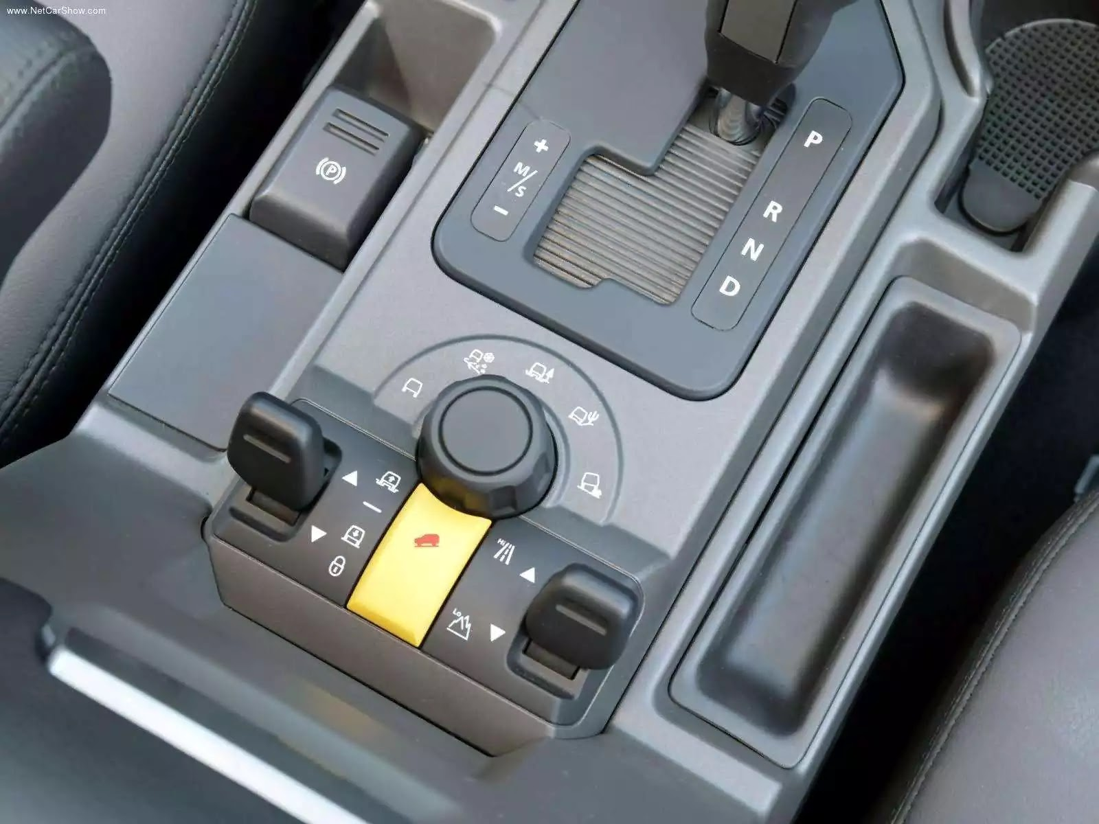Hình ảnh xe ô tô Land Rover Discovery 3 2005 & nội ngoại thất