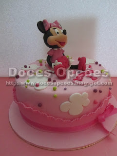 bolo aniversário minie bragança