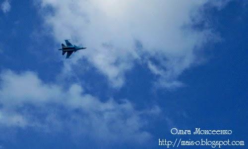 репетиция военного парада, самолет в небе