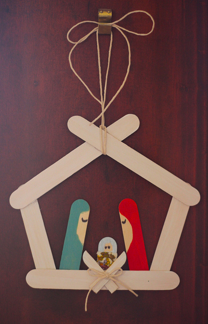 Ohhthat by tin diy nativity popsicle sticks ideas for Nativity crafts to make