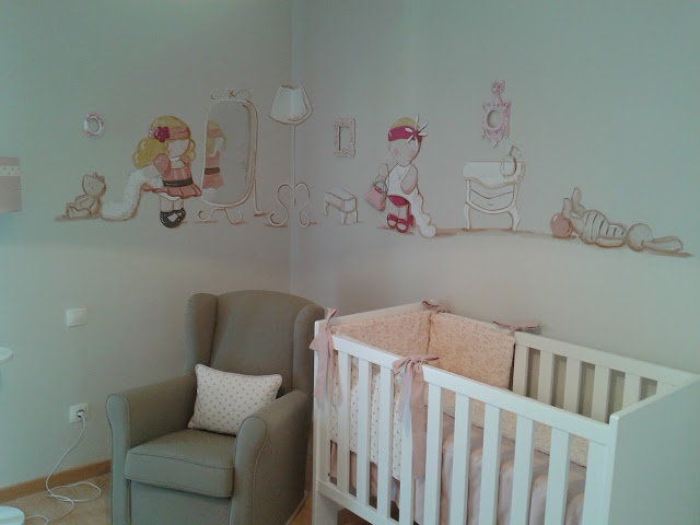 Deco chambre b b deco chambre petite fille for Deco chambre bebe mansardee