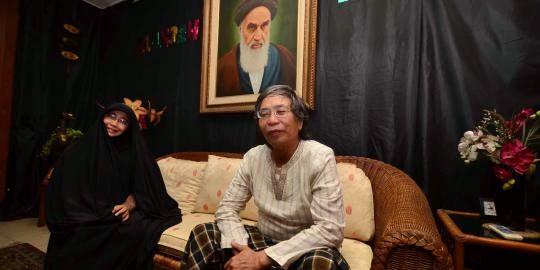 Emilia Renita bersama suami Jalaluddin Rahmat