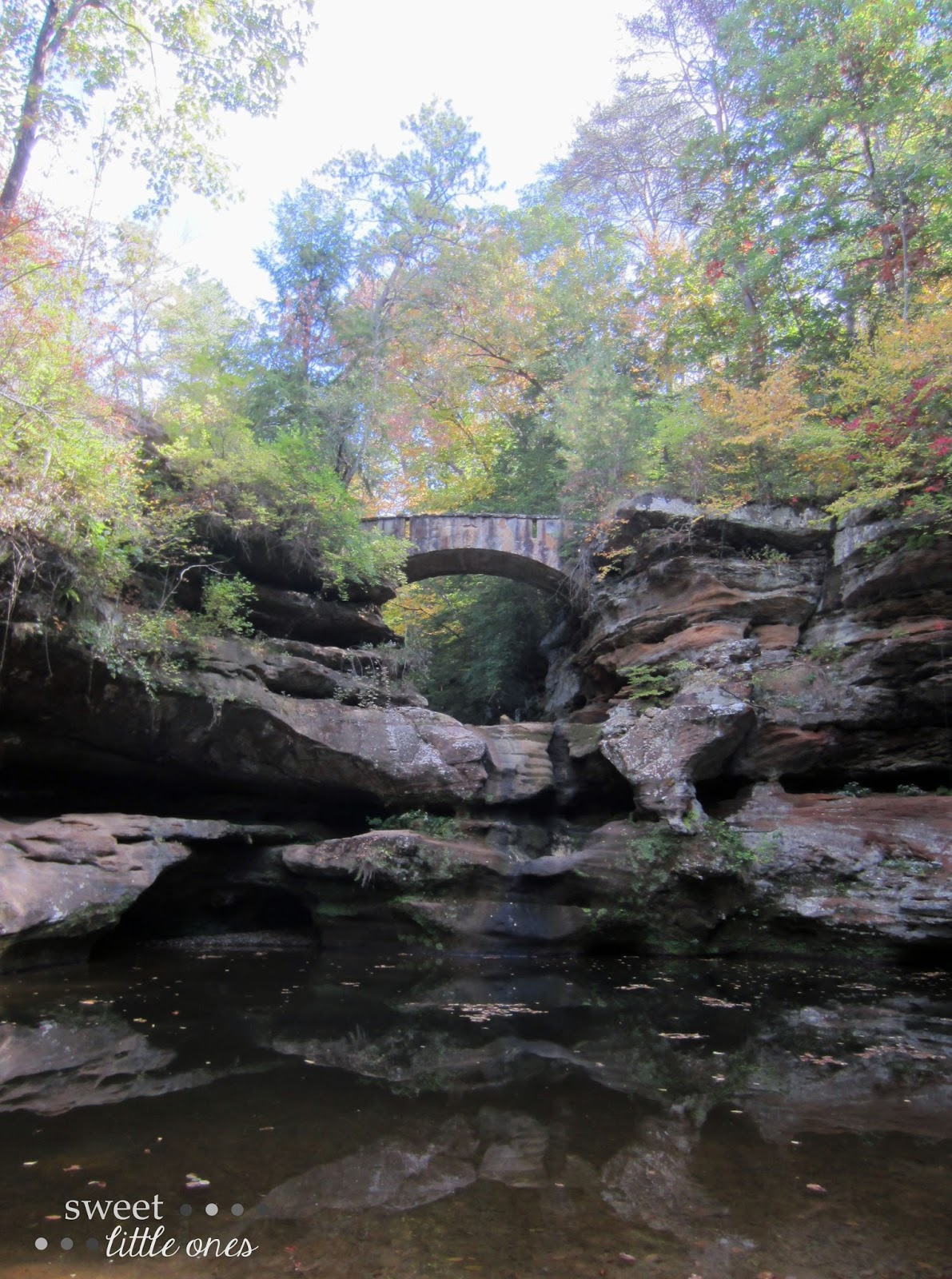 Hocking Hills Ohio - Old Man's Cave trail - Upper Falls   www.sweetlittleonesblog.com
