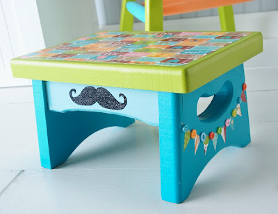 gift presents for kids: imaginisce circus-themed stool.