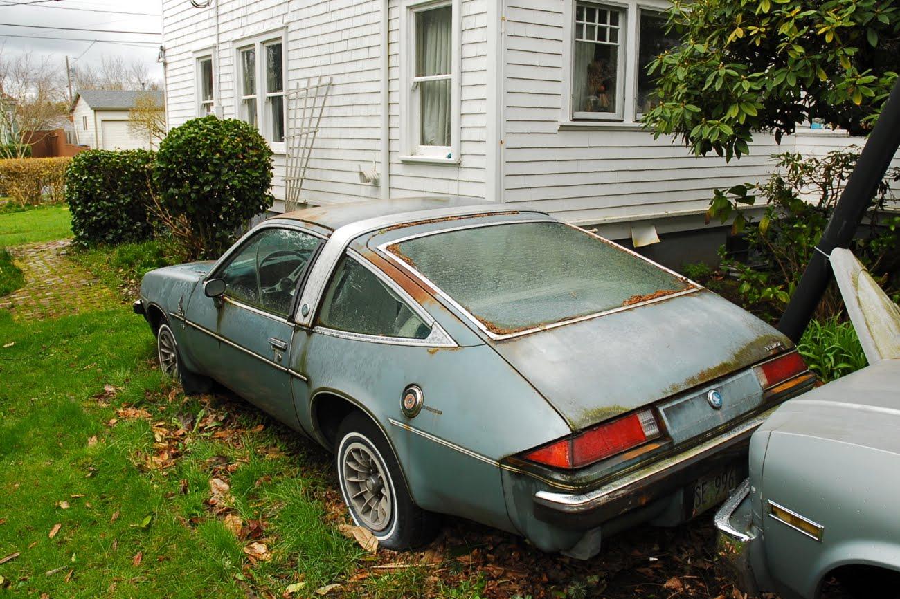 http://4.bp.blogspot.com/-Jsp_UasEv14/T2ZT3jXZ_aI/AAAAAAAAO3k/oyvpqgQhzUE/s1600/1976-Buick-Skyhawk-Sky-Hawk-2-door-hatchback-v6-231-cubic-inch-cid-cu-in-h-body-rear-wheel-drive-rwd-chevy-monza-pontiac-sunbird-oldsmobile-starfire-astre-vega-astroroof-2.jpg