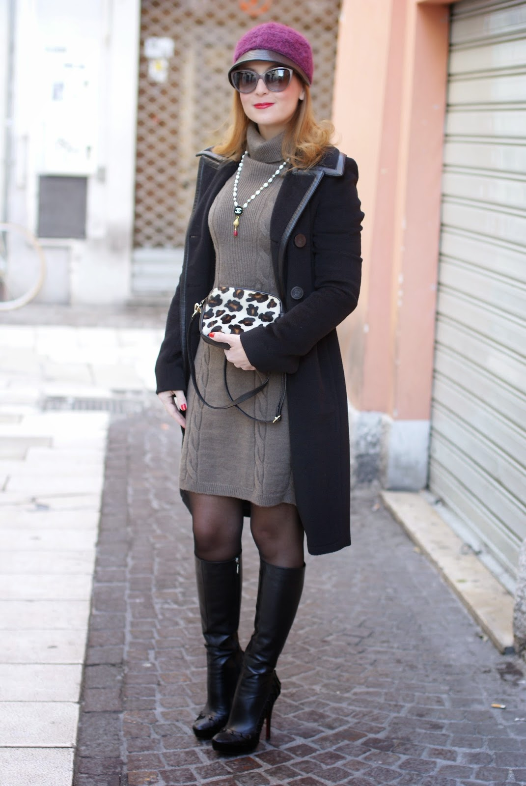 Balenciaga black coat, jockey hat, fetish boots, Sofia borse Candy pochette, Fashion and Cookies, fashion blogger